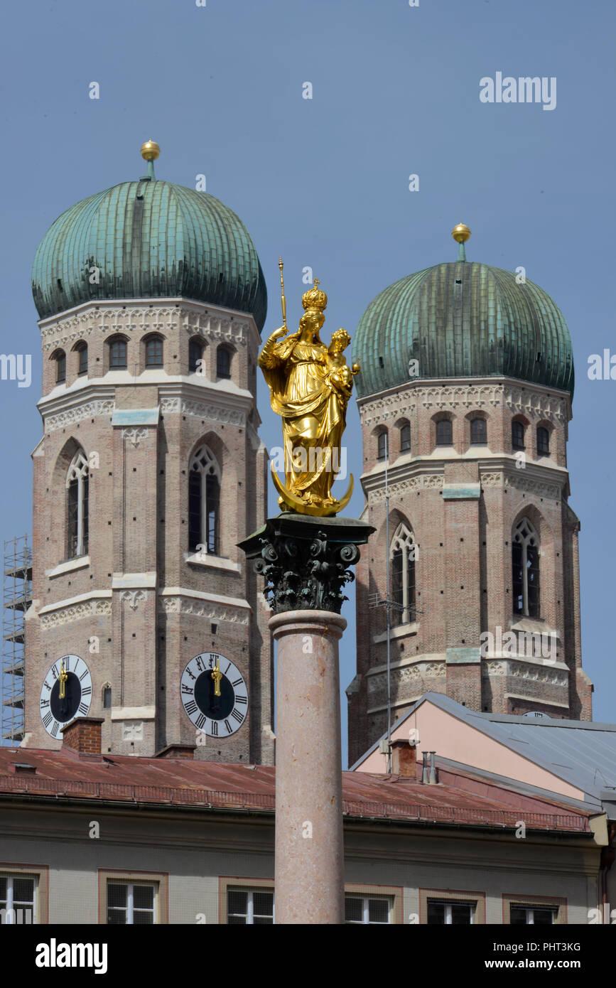 Mariensaeule, Frauenkirche, Marienplatz, Muenchen, Bayern, Deutschland - Stock Image