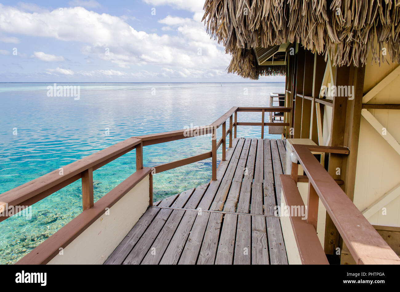 Overwater bungalows in Moorea, French Polynesia - Stock Image