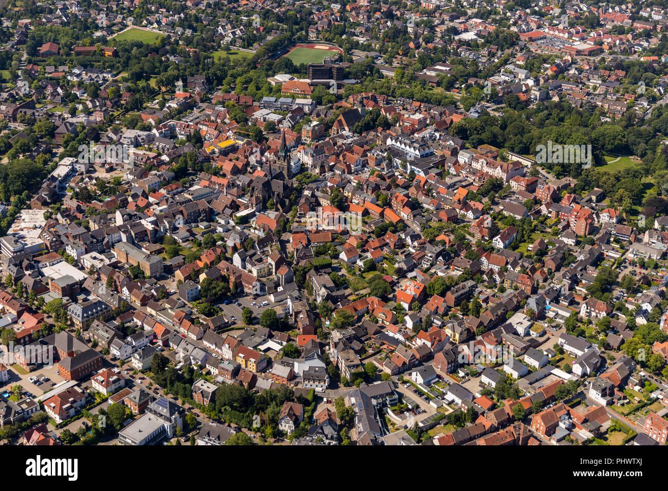 , Stadtmitte von Ahlen mit St.-Marien-Kirche, Ahlen, Ruhrgebiet, Nordrhein-Westfalen, Deutschland, DEU, Europa, Luftbild, birds-eyes view, Luftaufnahm - Stock Image