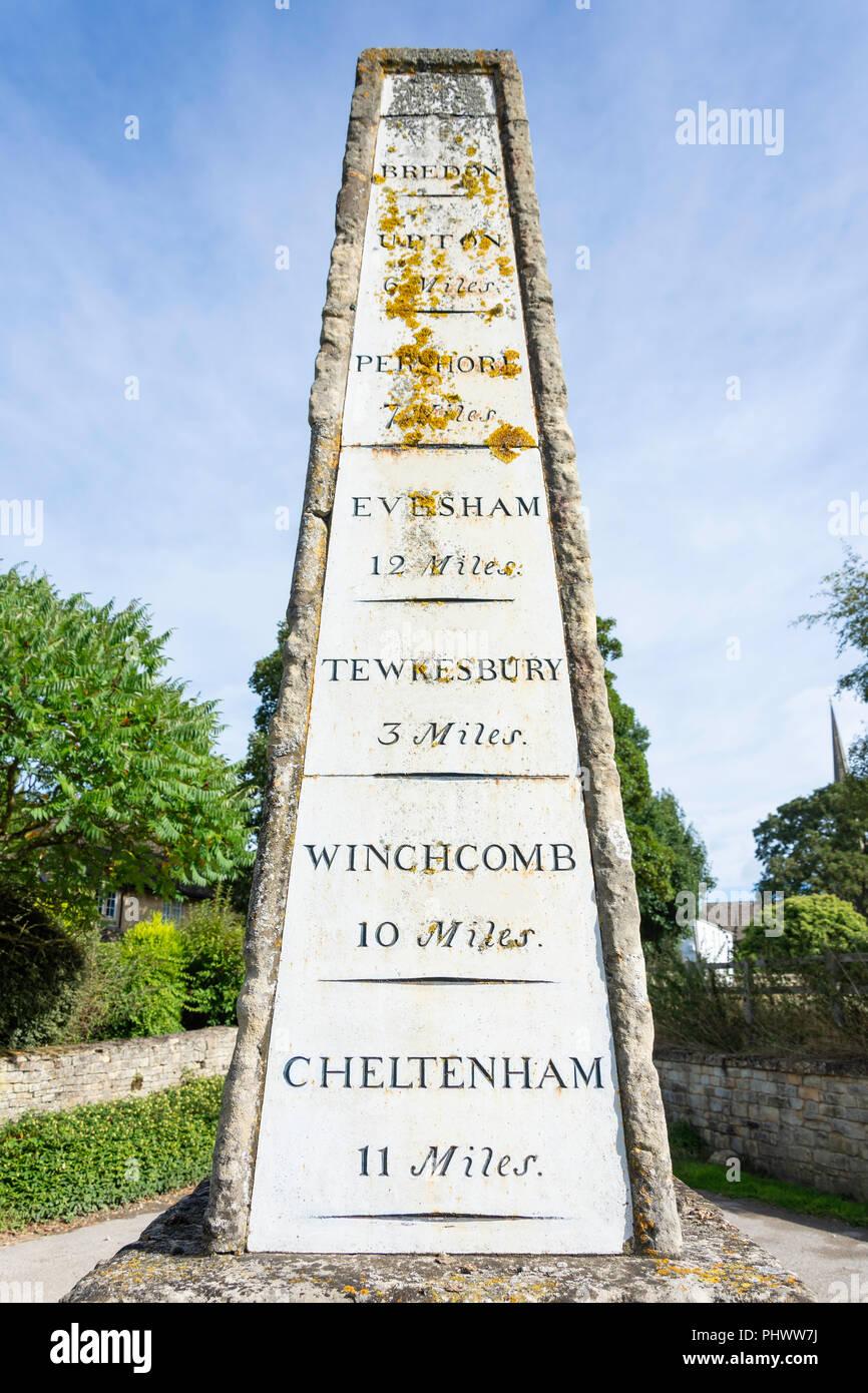 The milestone obelisk, Church Walk, Bredon, Worcestershire, England, United Kingdom - Stock Image