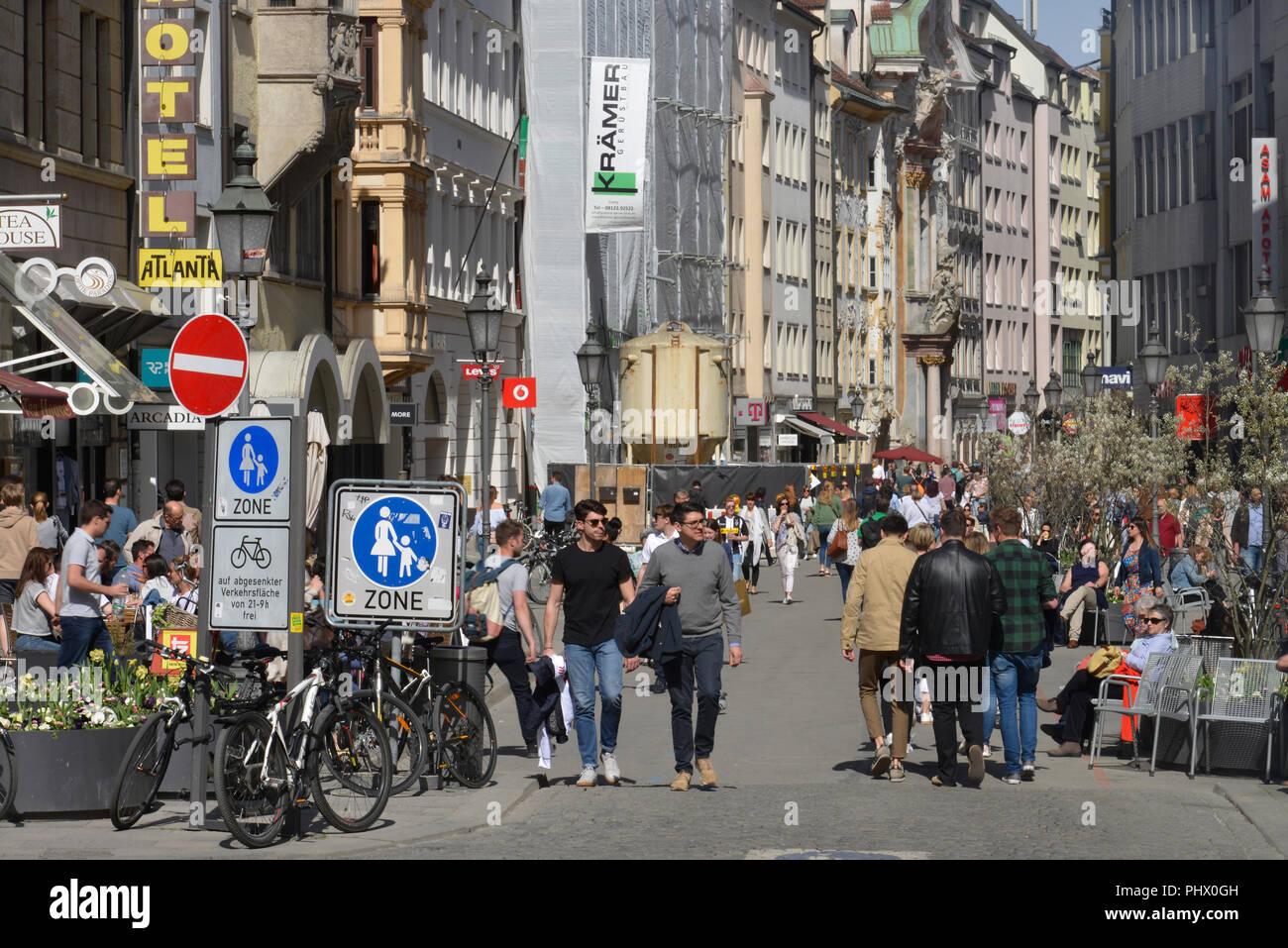 Sendlinger Strasse, Muenchen, Bayern, Deutschland Stock Photo