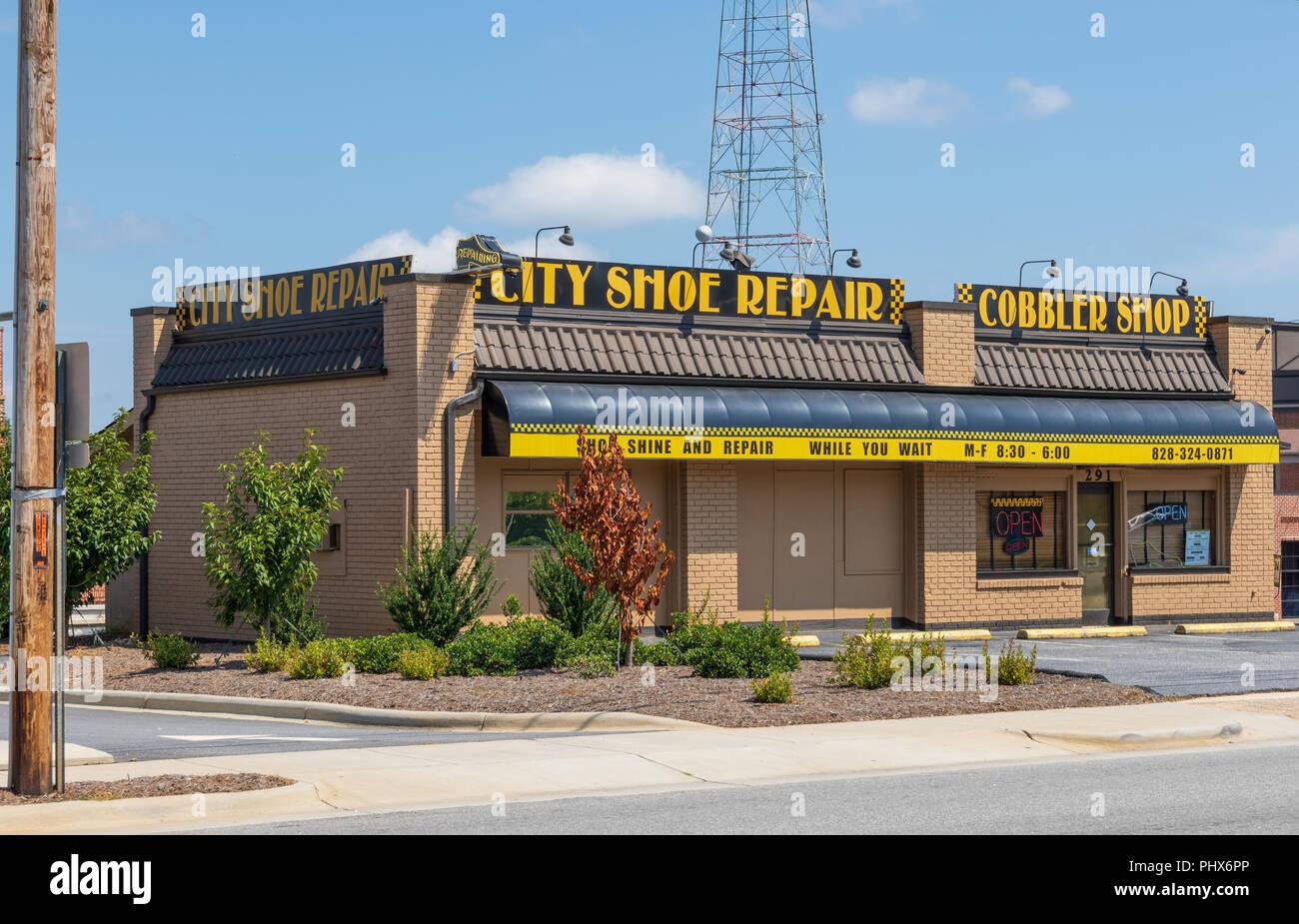 HICKORY, NORTH CAROLINA,  USA-9/1/18: A local shoe repair/ cobbler shop. Stock Photo