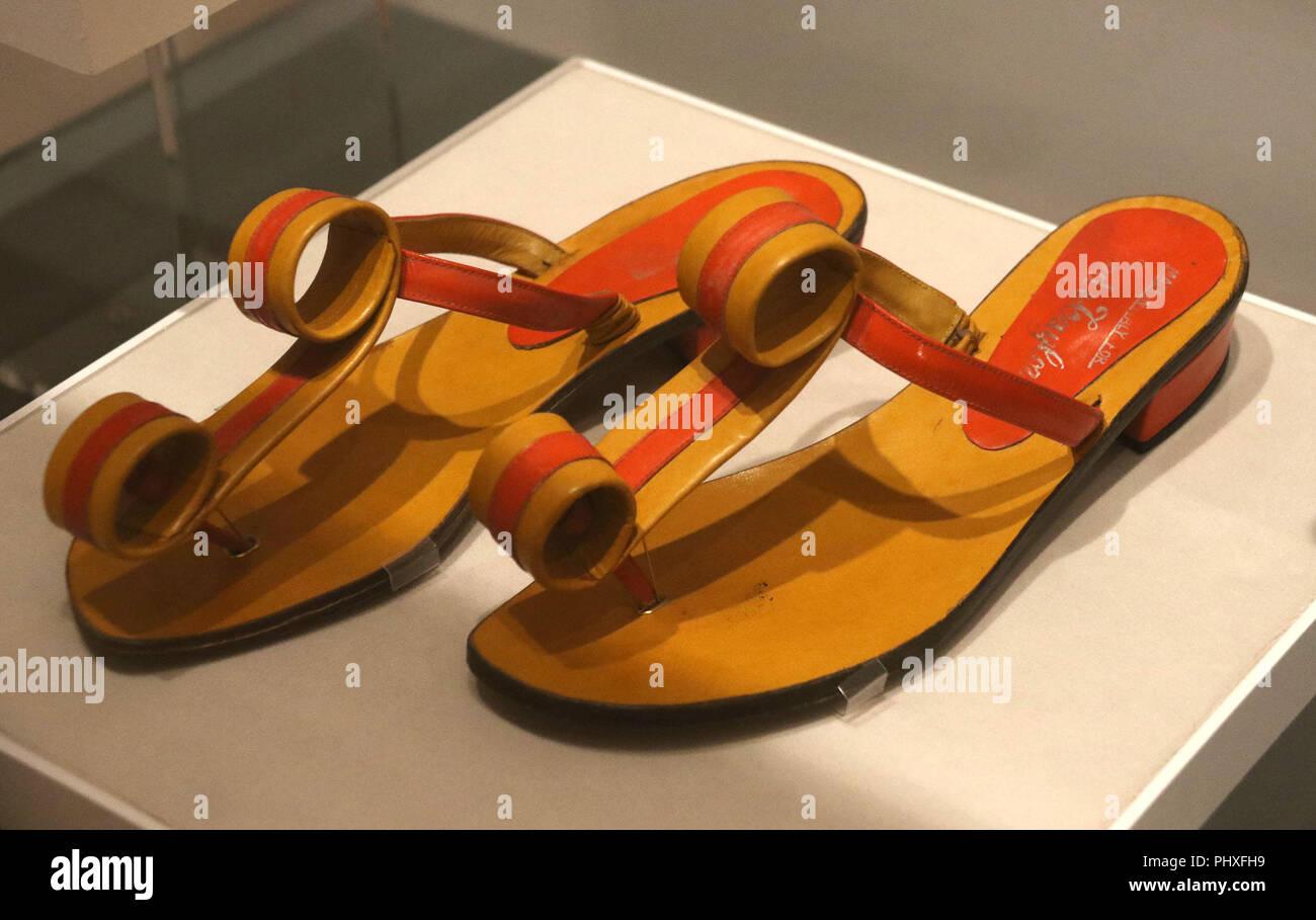 6355528ba29d6 Thong Sandals Stock Photos   Thong Sandals Stock Images - Alamy