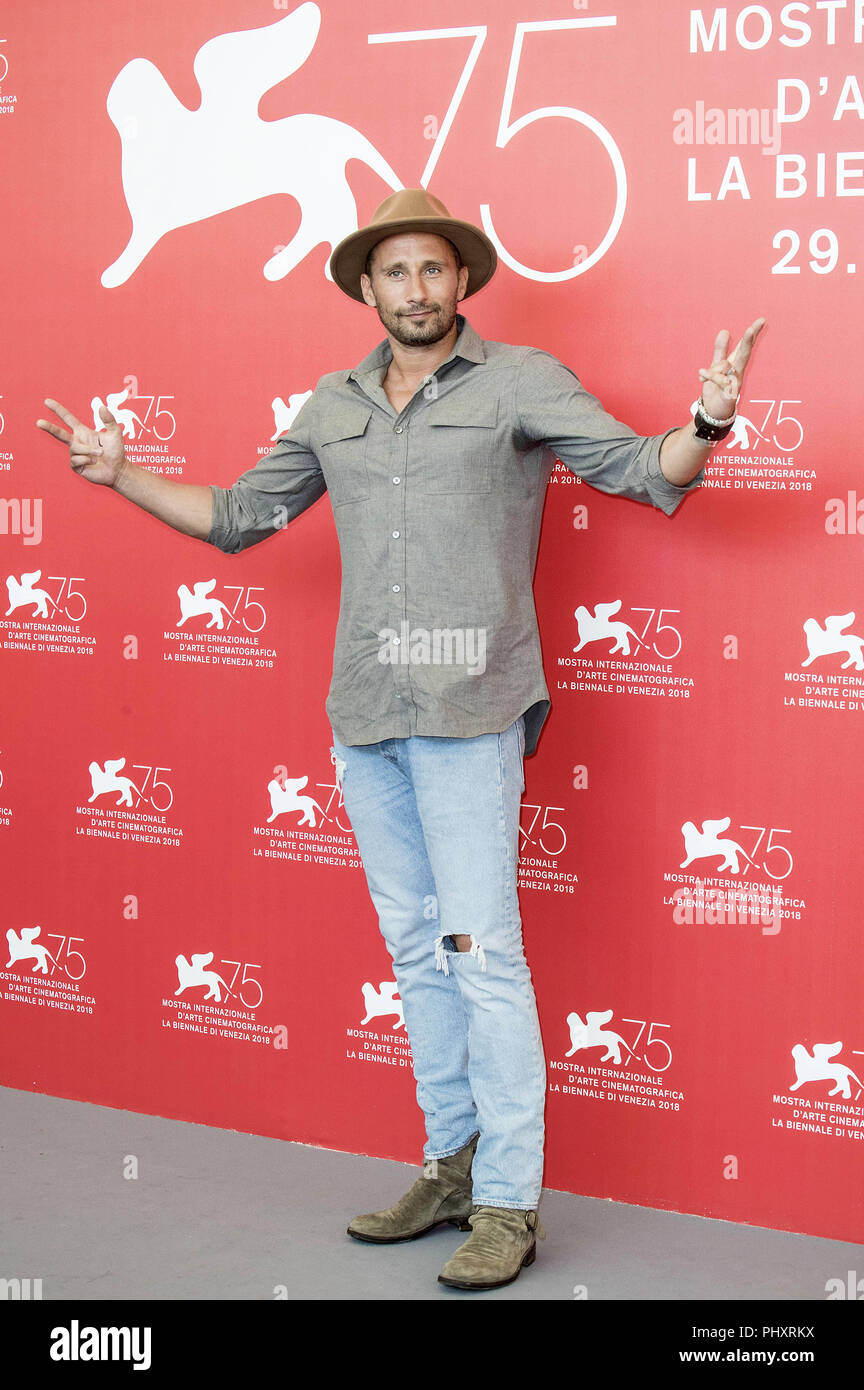 Venice, Italien. 01st Sep, 2018. Matthias Schoenaerts during the 'Frères ennemis/Close Enemies' photocall at the 75th Venice International Film Festival at the Palazzo del Casino on Setember 01, 2018 in Venice, Italy | Verwendung weltweit Credit: dpa/Alamy Live News - Stock Image