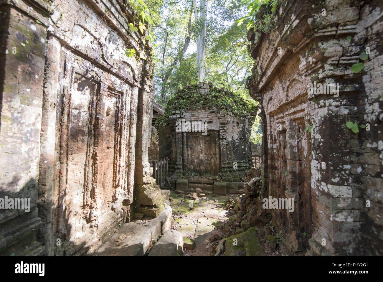 CAMBODIA SRA EM PRASAT KOH KER KHMER TEMPLE - Stock Image