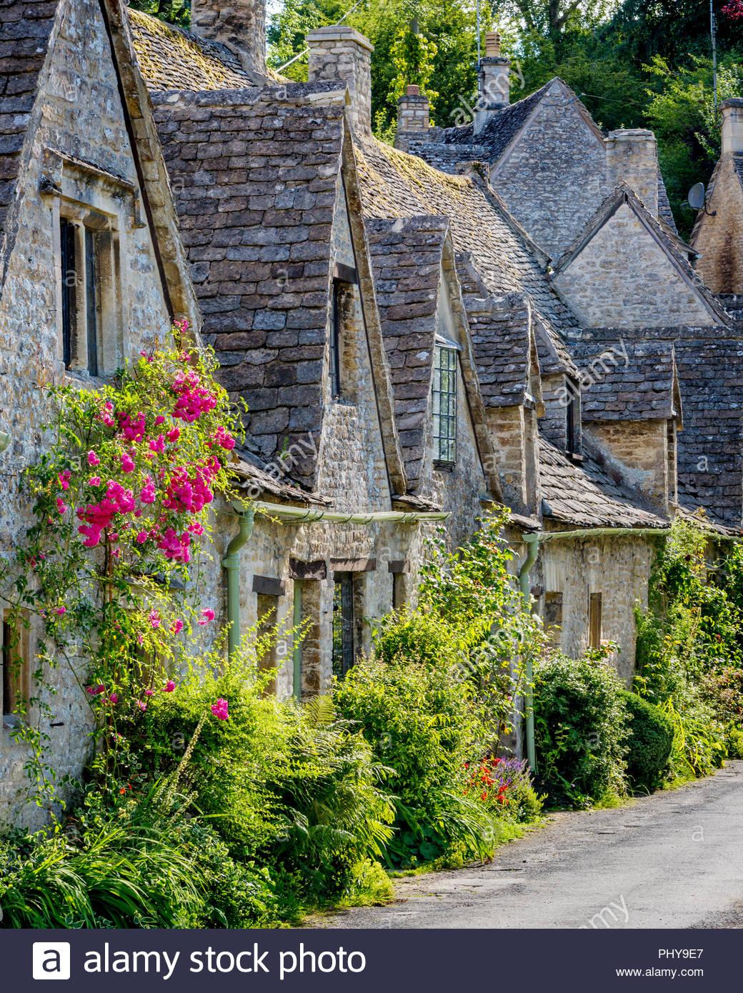 Arlington Row - homes built for the local weavers, Bibury, Glocestershire, England - Stock Image