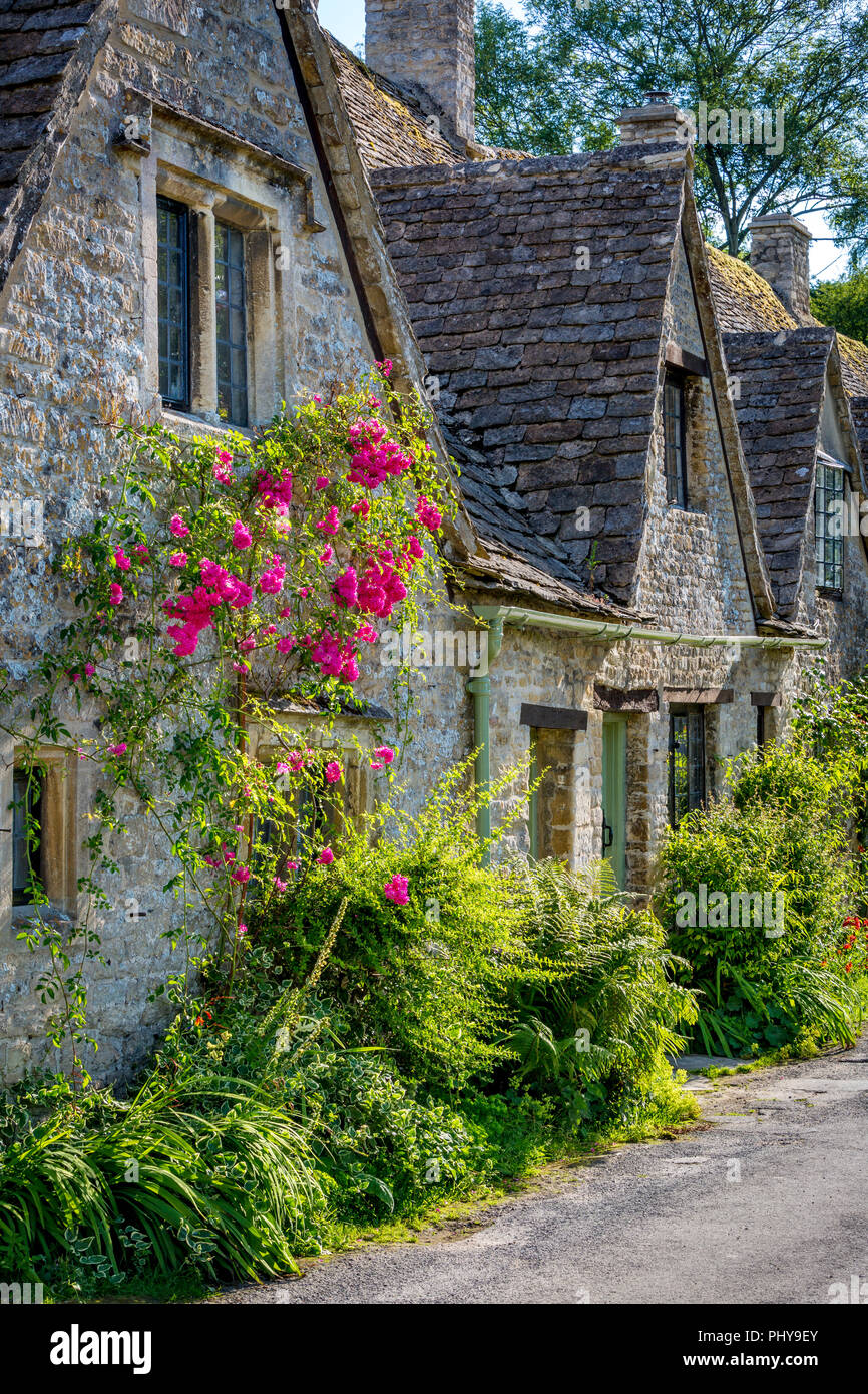 Arlington Row - homes built for the local weavers, Bibury, Glocestershire, England Stock Photo