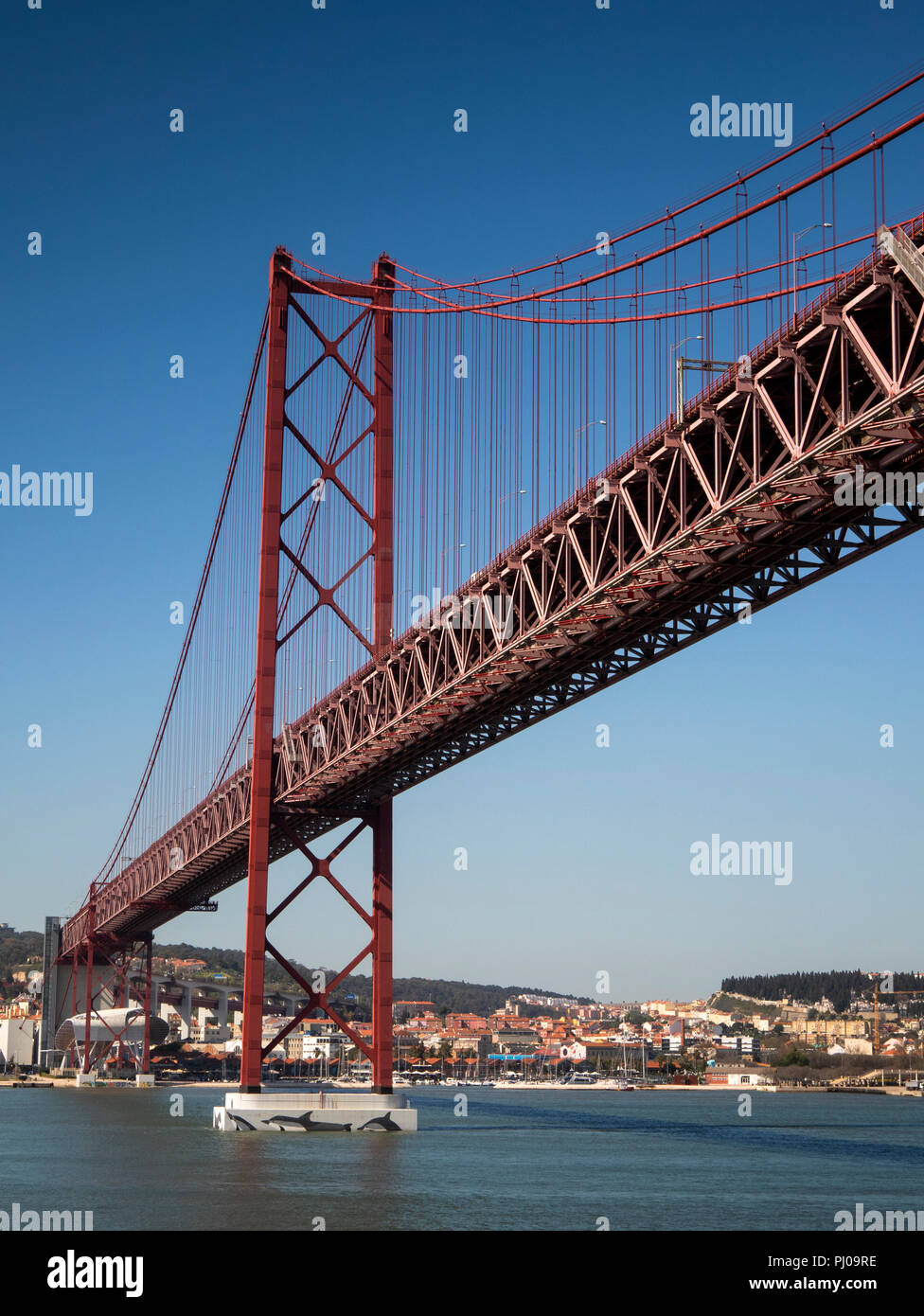 Portugal, Lisbon, ponte 25 de Abril, (25th April Bridge) over Tagus River, panoramic Stock Photo