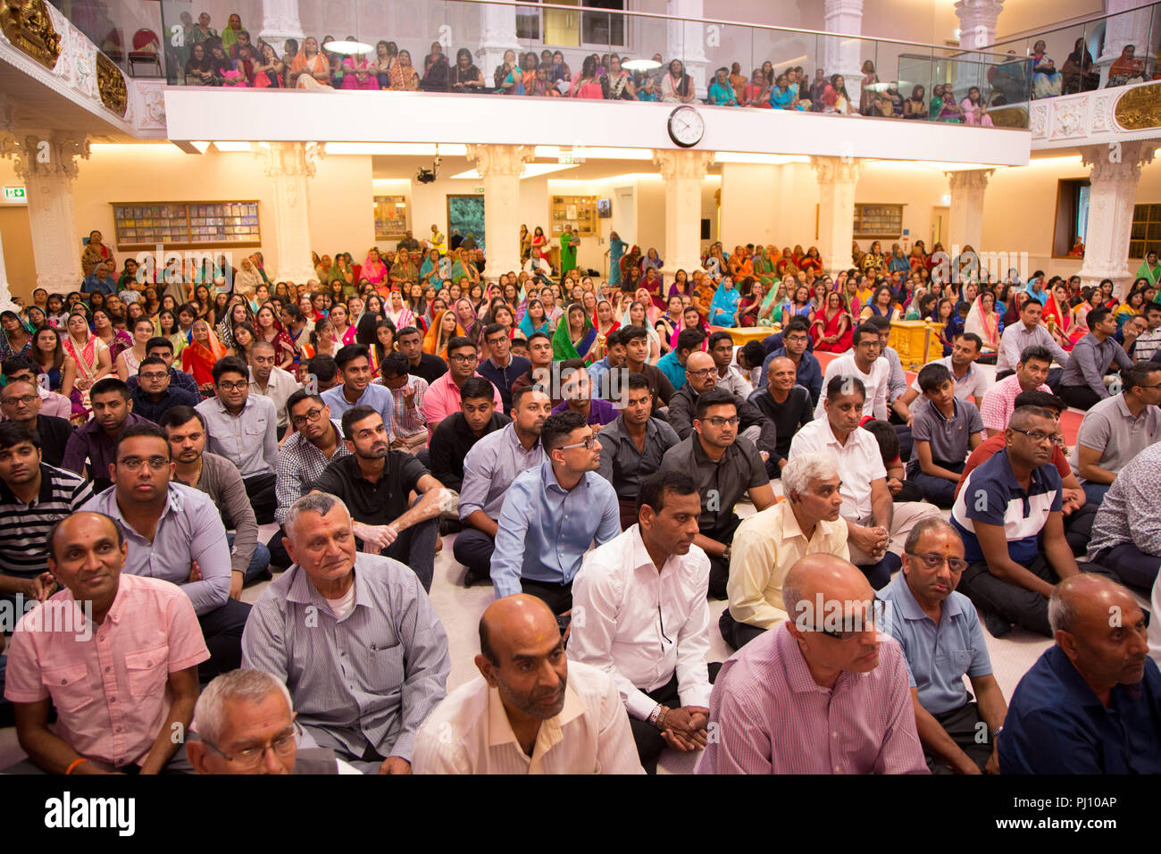 Worshippers at a Hindu temple in Kingsbury, North West London Shree Swaminarayan Mandir - Stock Image