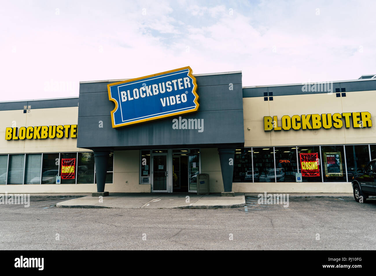 AUGUST 10 2018 - FAIRBANKS ALASKA: Exterior view of a closing Blockbuster Video movie rental store. Very few locations remain in the world - Stock Image