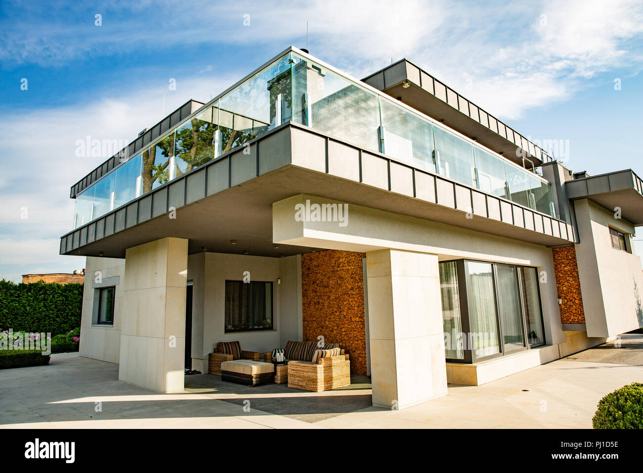 Big Modern Beautiful House Lofty Sunny Day Stock Photo 217620522