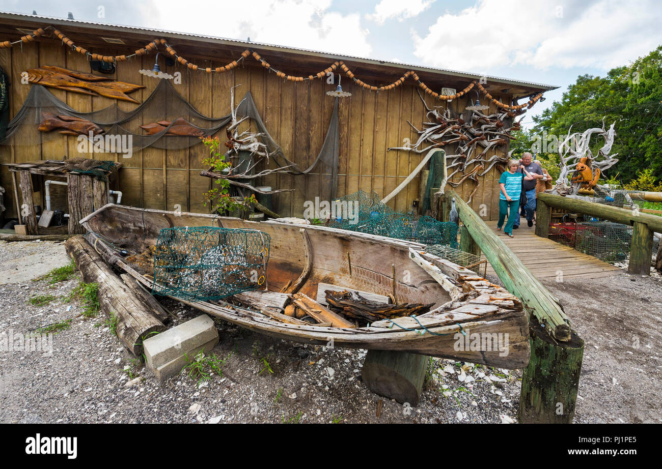 Clarks Fish Camp is a unique and rustic seafood restaurant located on Julington Creek, a tributary of the St. Johns River in Jacksonville, Florida. - Stock Image