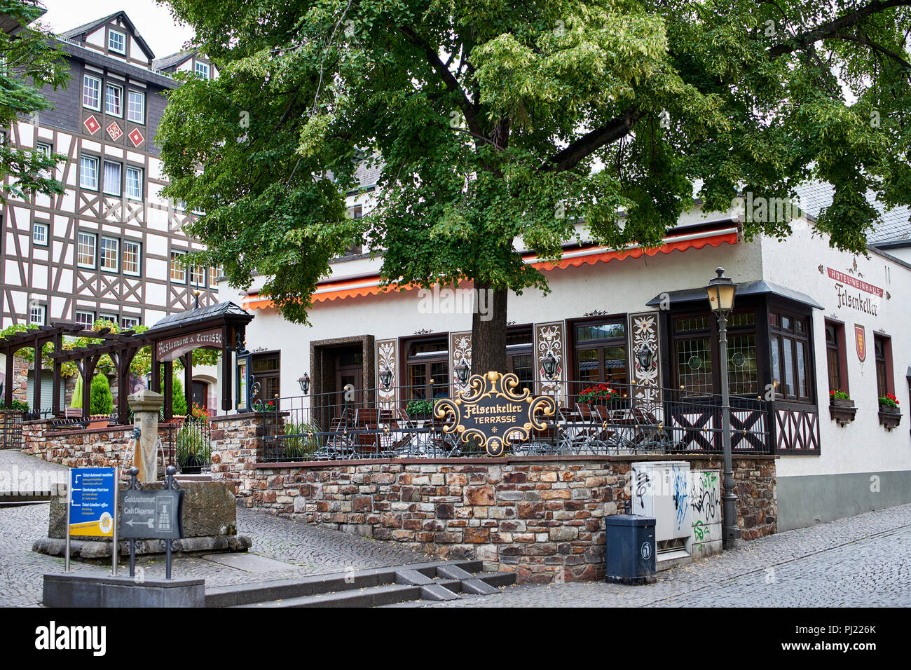 Hotel Felsenkeller Rudesheim Am Rhein Wienhaus Cafe Terrace Stock