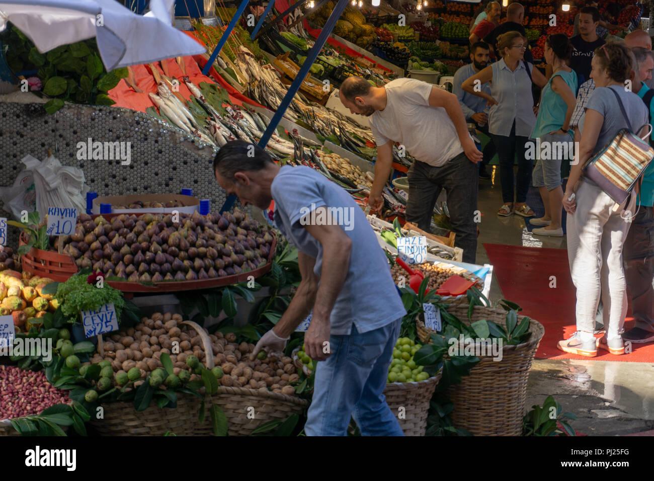 Istanbul, Turkey. 3rd September, 2018.  Inflation rate hits Turkish markets. Credit: Engin Karaman/Alamy Live News Stock Photo