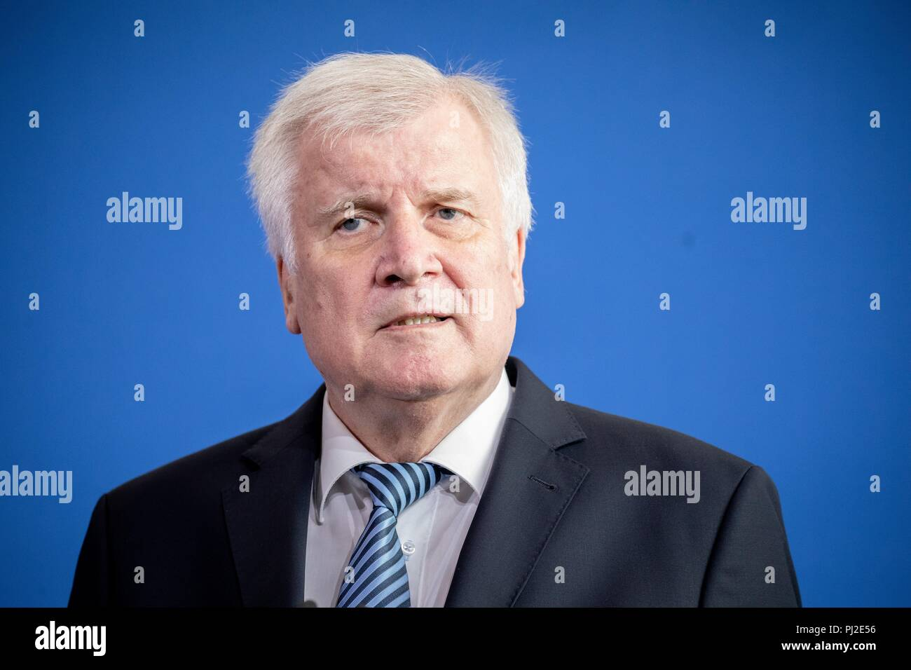 Berlin, Germany. 04th Sep, 2018. 04.09.2018, Berlin: Horst Seehofer (CSU), Federal Minister of the Interior, Building and Community, gives a press conference with his Austrian counterpart Kickl after a discussion on current political issues. Credit: Kay Nietfeld/dpa/Alamy Live News - Stock Image