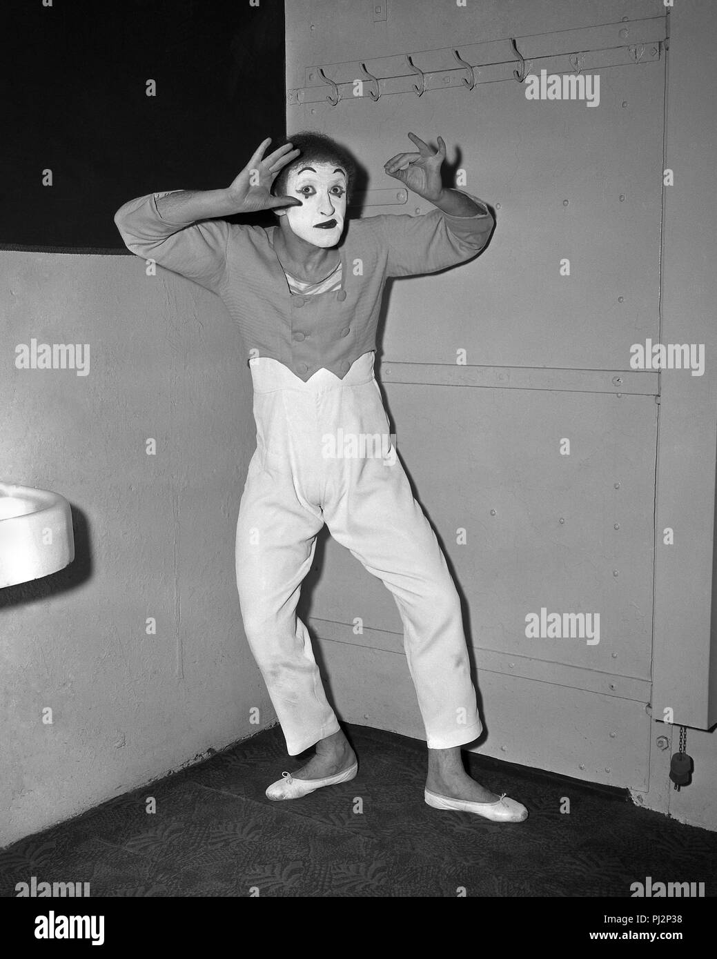 French actor and mime artist, Marcel Marceau in performing in Chicago, March 5, 1958. - Stock Image