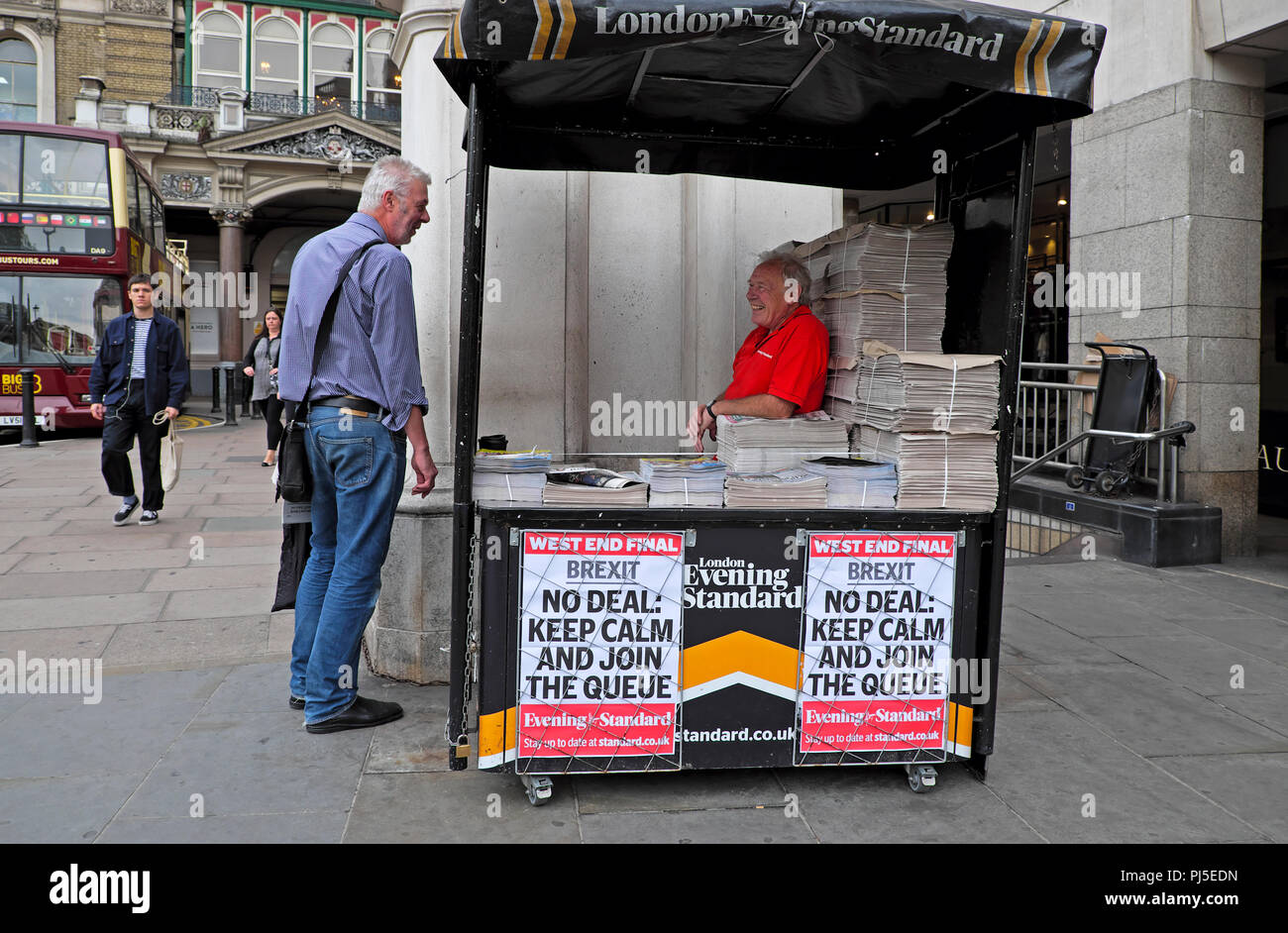 Evening Standard newspaper headline on poster 'Brexit - NO DEAL KEEP CALM AND JOIN THE QUEUE'   by a newsstand on 23 August 2018 in London, England UK - Stock Image
