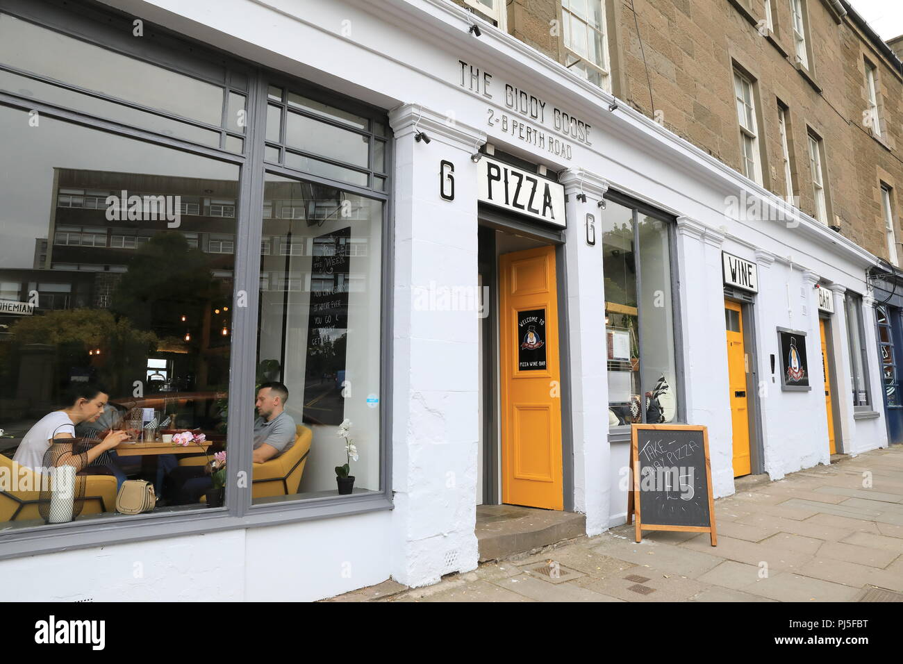 The Giddy Goose pizza wine bar on Perth Road, in Dundee, in Scotland, UK - Stock Image