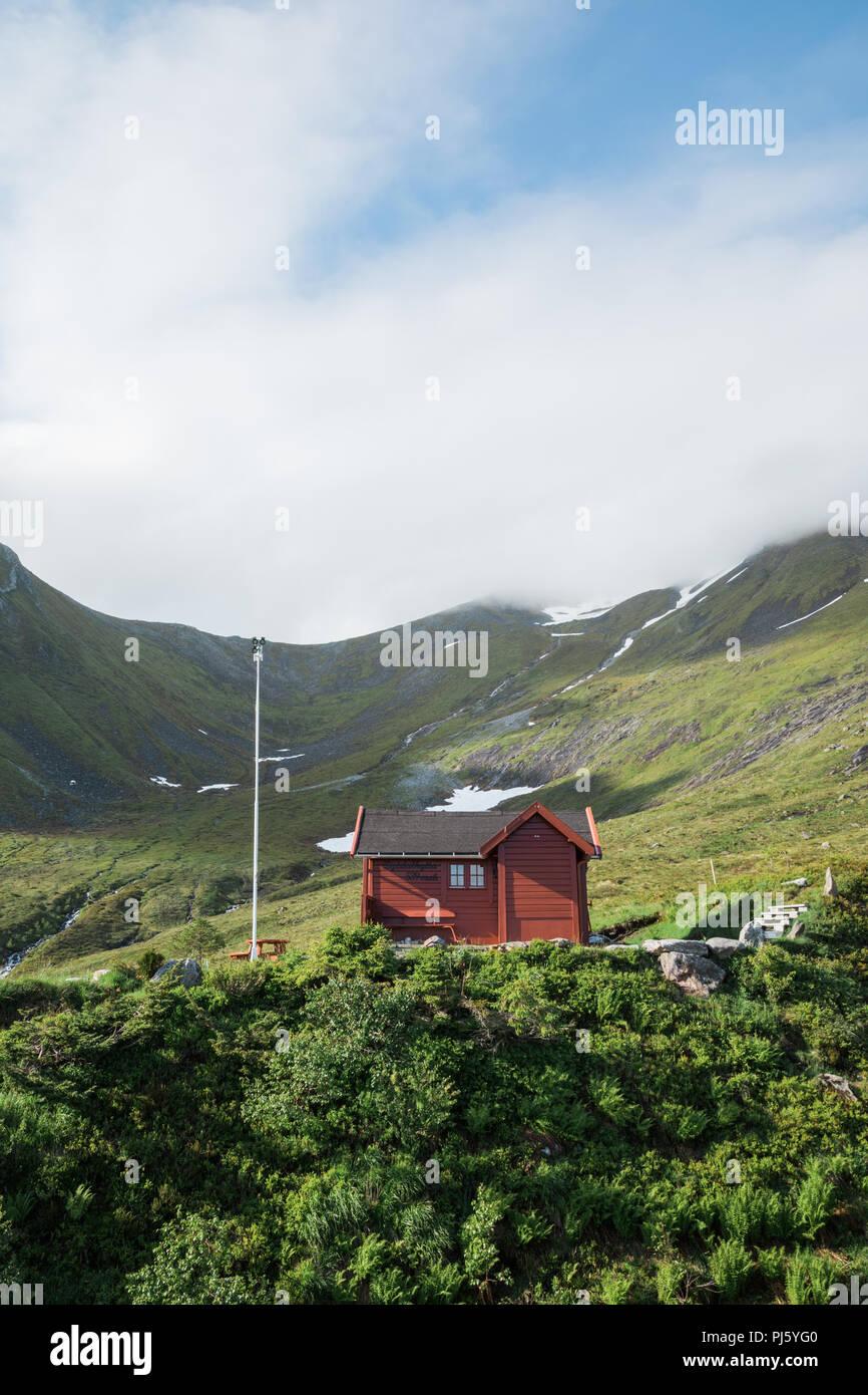 Cabin on Saudehornet mountain ascent. Ørsta, Norway - Stock Image