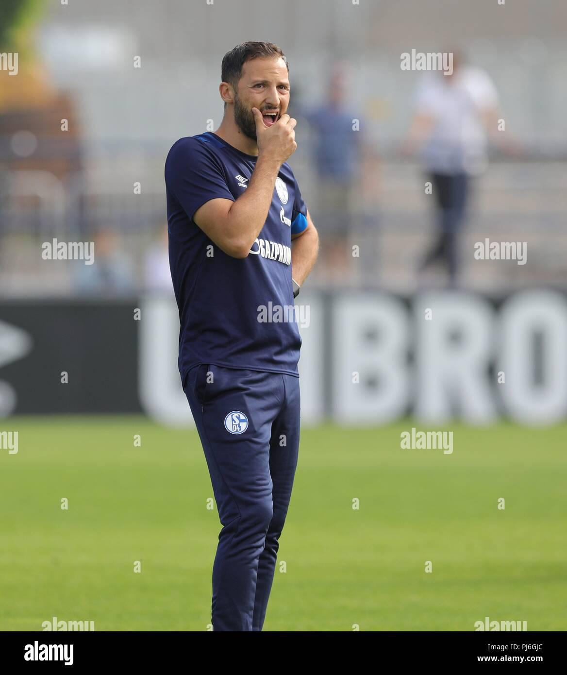 firo: 05.09.2018, football, 1.Bundesliga, season 2018/2019, FC Schalke 04, training, coach Domenico TEDESCO, thoughtful   usage worldwide - Stock Image