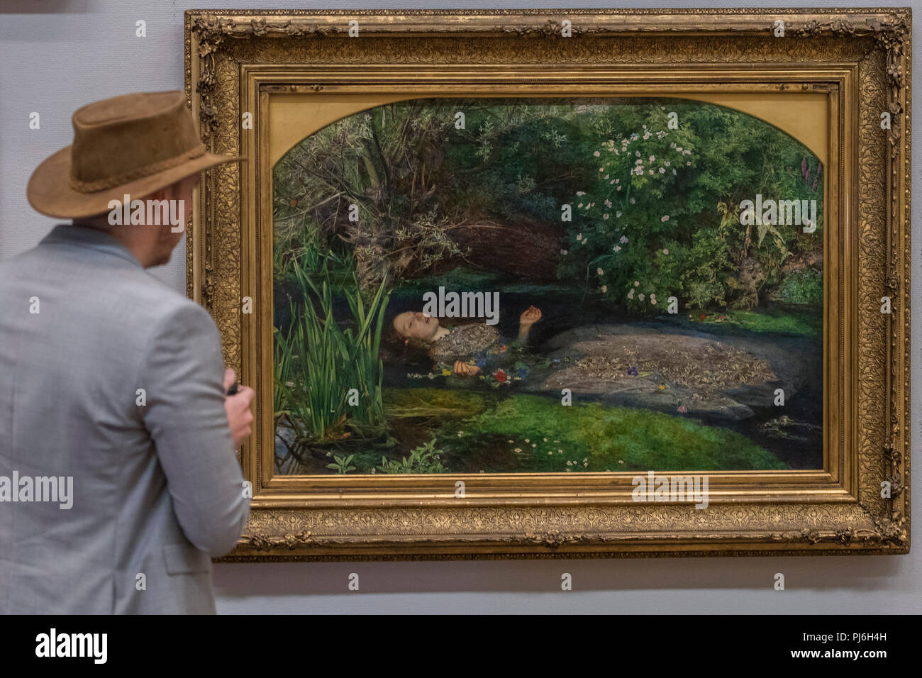 Tate Britain, London, UK. 5th Sept 2018. John Everett Millais' Ophelia 1851–52, on display to mark the launch of a major new exhibition at the National Gallery of Australia. Over forty works from Tate Britain's unrivalled collection of Pre-Raphaelite art will be loaned to the National Gallery of Australia in December. Credit: Guy Bell/Alamy Live News - Stock Image