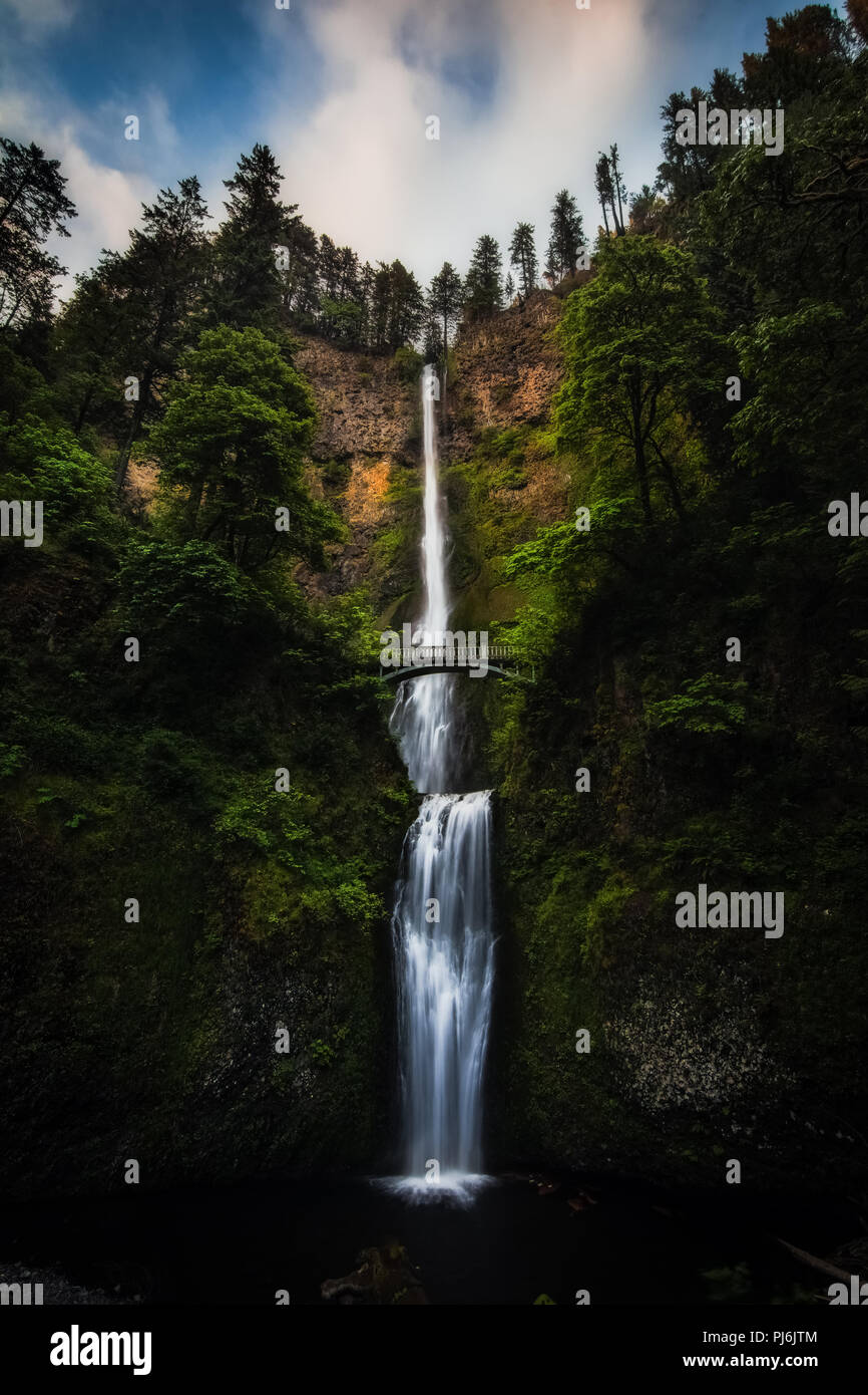 The massive 611 ft Multnomah Falls is a stunning waterfall in Oregon. The size of it takes your breath away. - Stock Image