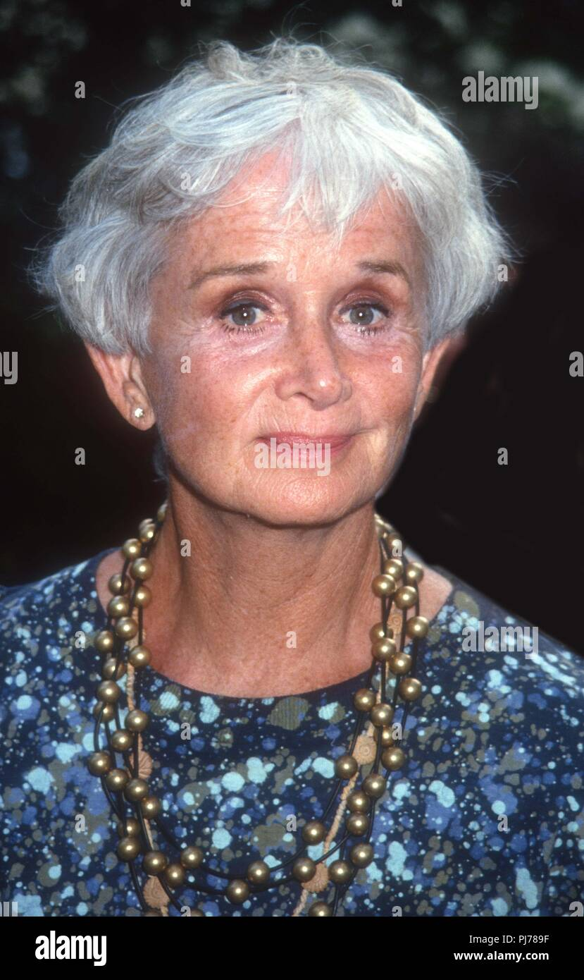Communication on this topic: Beatrice Varley, barbara-barrie/
