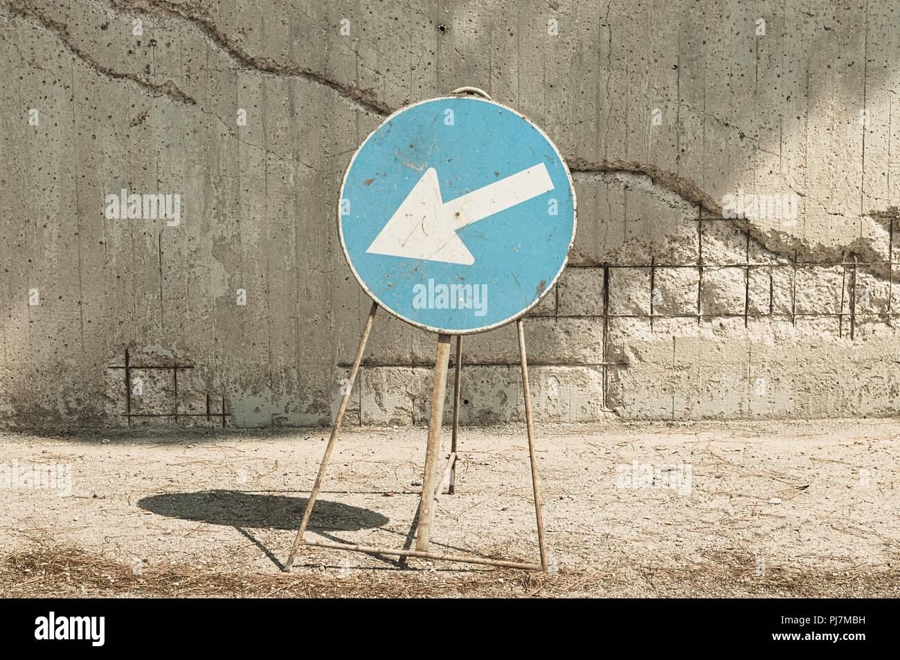 Turn left arrow - Work in progress (Pesaro, Italy, Europe) - Stock Image