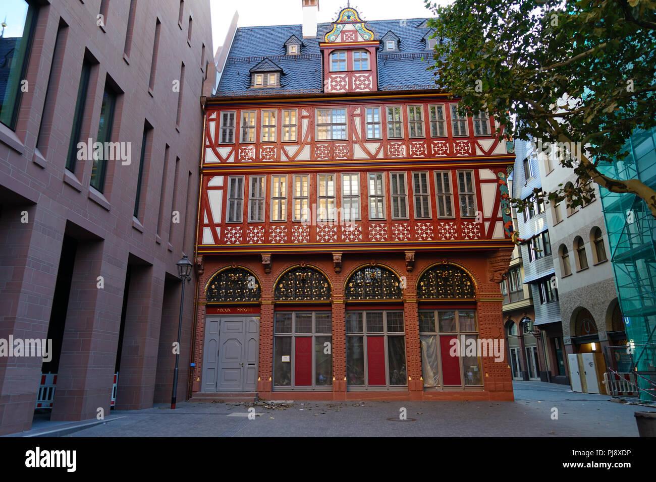 Markt 5, Goldene Waage, Anwesen eines Niederländischen Glaubensflüchtlings, Stadthaus am Markt, Dom-Römer-Projekt, Neue Frankfurter Altstadt - Stock Image