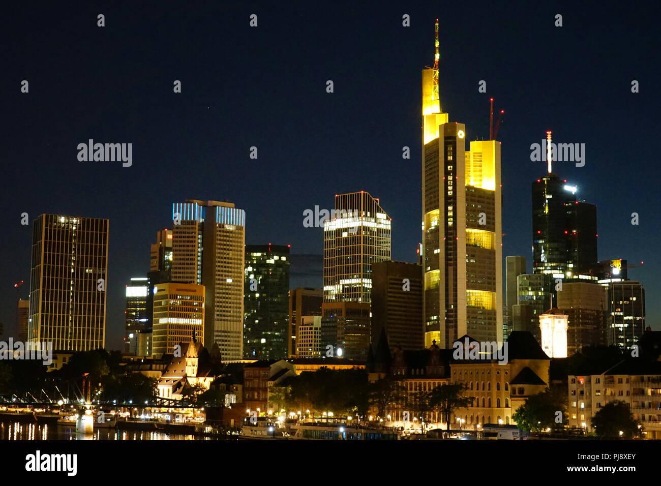 Skyline, Frankfurt bei Nacht, Hesse, Germany, Europe - Stock Image