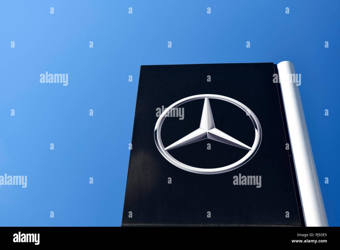 Sign of Mercedes-Benz in Hamburg, Schild von Mercedes-Benz in Hamburg - Stock Image