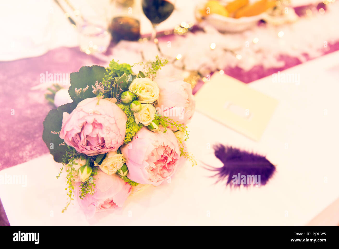 Shabby Chic Bridal Bouquet with Pink Peony Flowers - Stock Image
