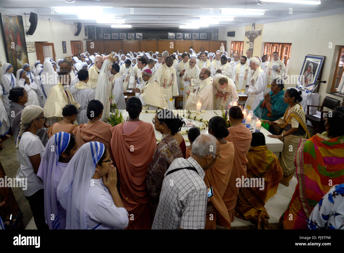 Kolkata, India  05th Sep, 2018  Nuns, Catholic priest and