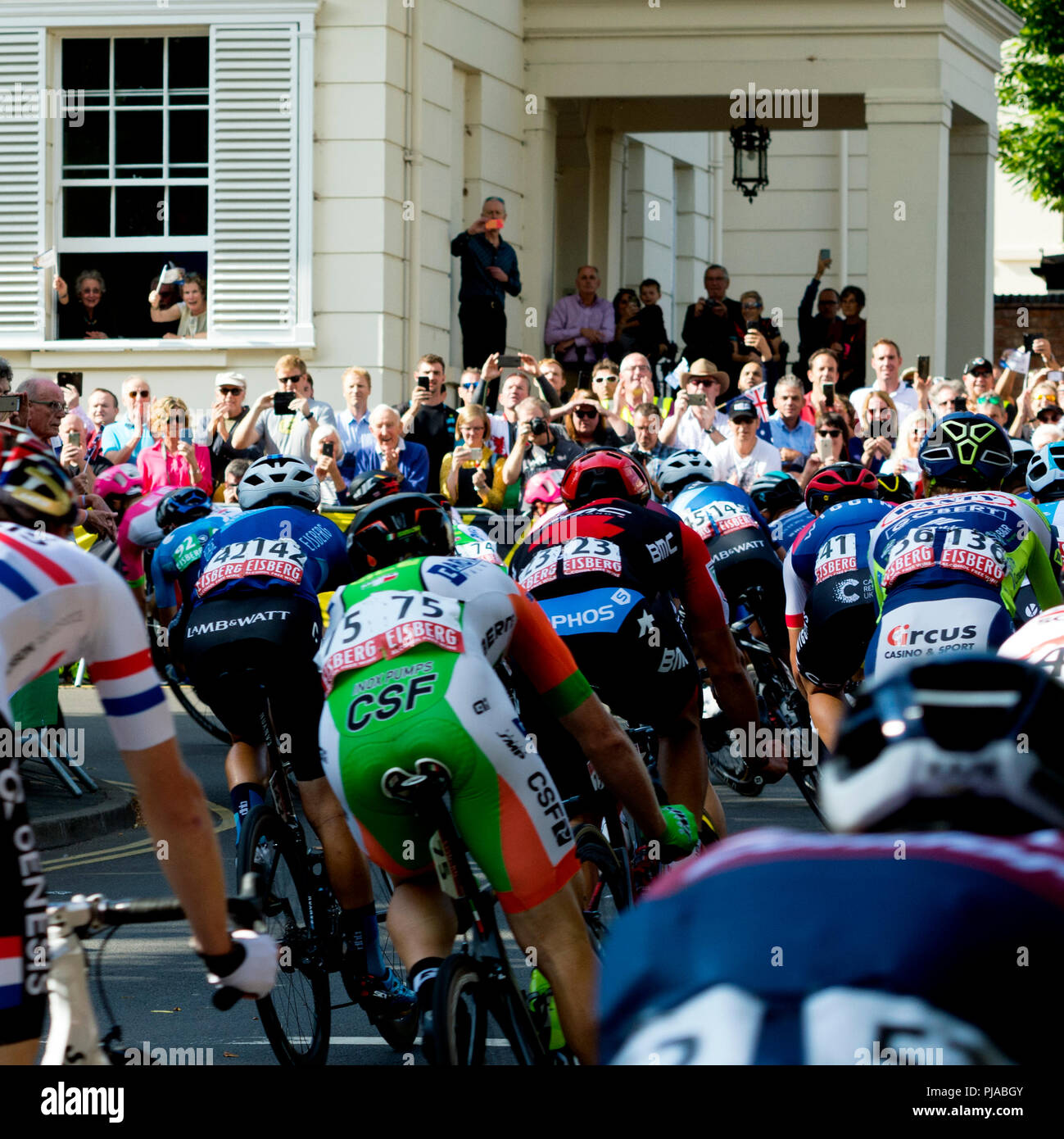 5th September 2018. Leamington Spa, Warwickshire, England, UK. People cheer as riders approach the finish of Stage Four of the OVO Energy Tour of Britain cycle race in Leamington Spa. - Stock Image
