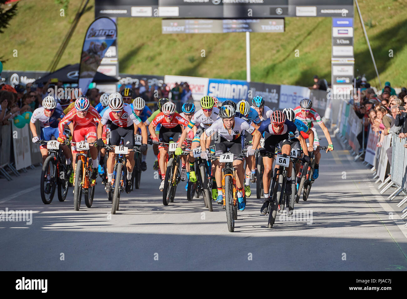 Lenzerheide, Switzerland. 5th September 2018. Start to the UCI 2018 Mountain Bike World Championships Cross Country Team Relay in Lenzerheide. Credit: Rolf Simeon/Alamy Live News - Stock Image