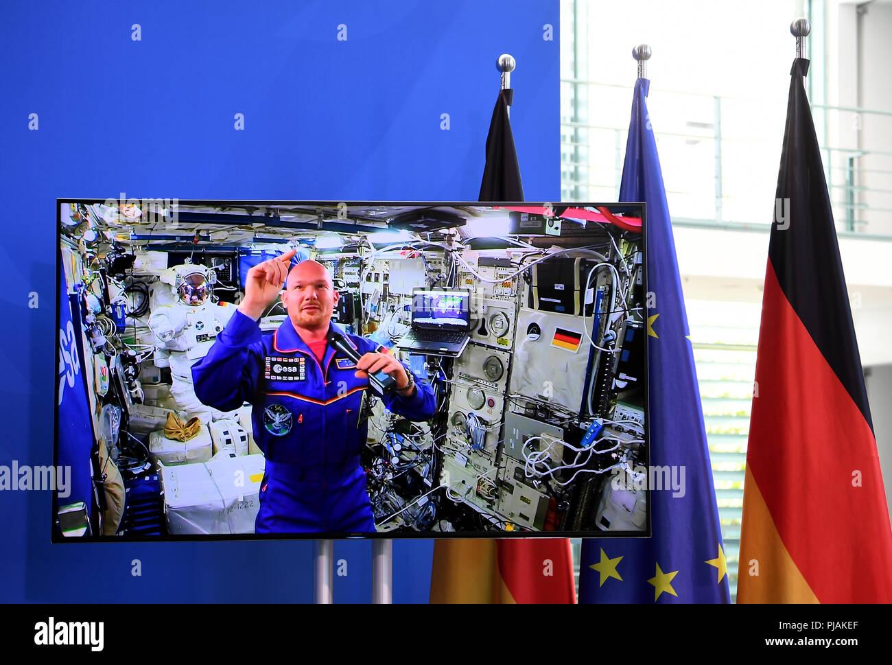 astronaut space crusade berlin - photo #33