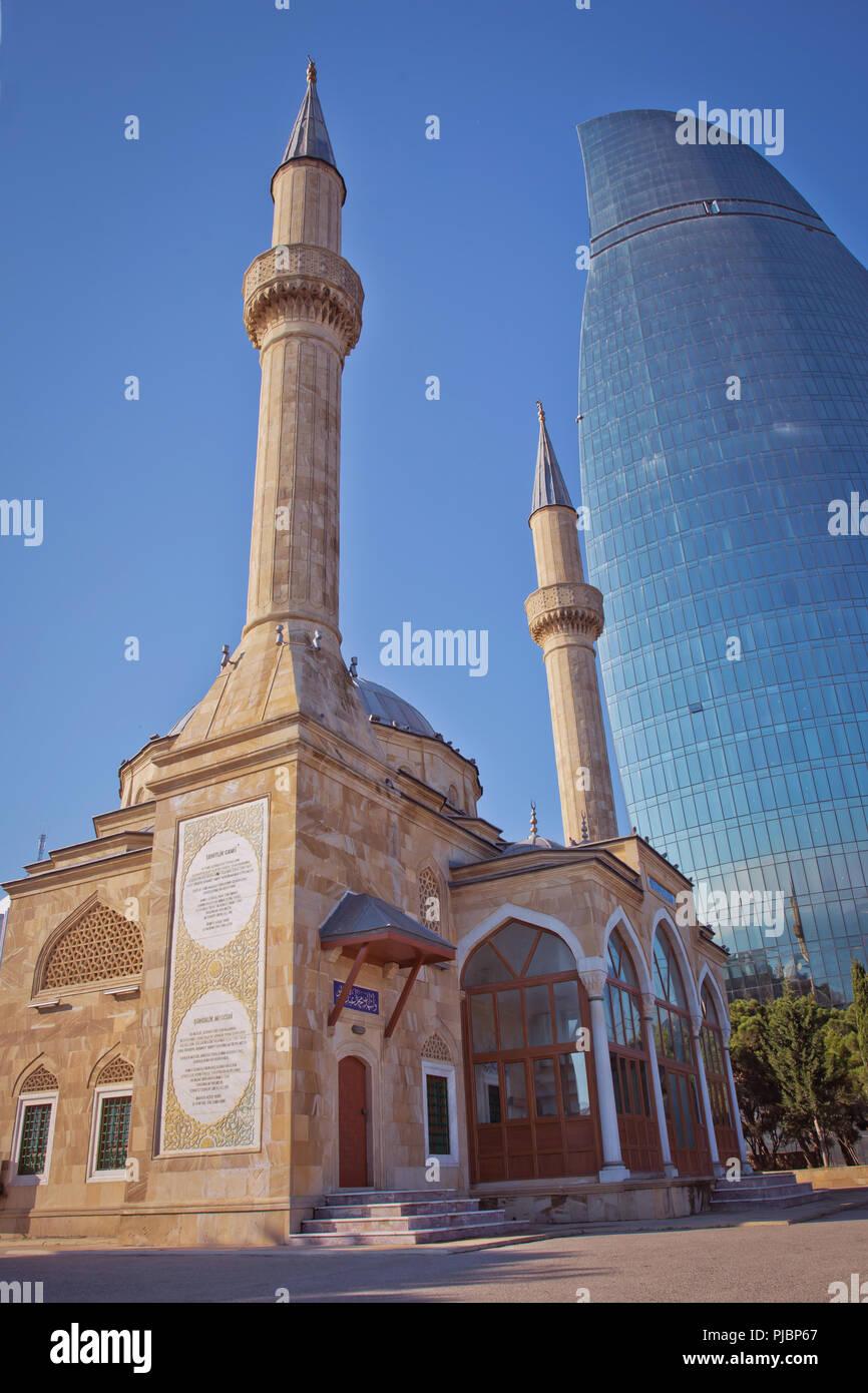 Baku, Azerbaijan : The Mosque of the Martyrs or Turkish Mosque is a mosque in Baku, Azerbaijan, near the Martyrs Lane Alley. Stock Photo
