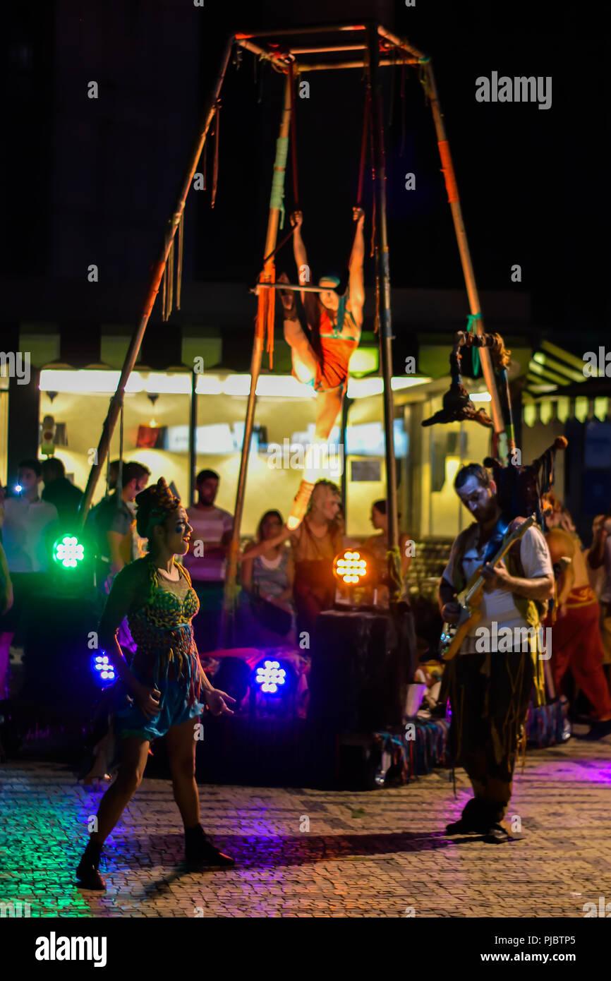 Dama de trapos troupe, street performers in Braga - Stock Image