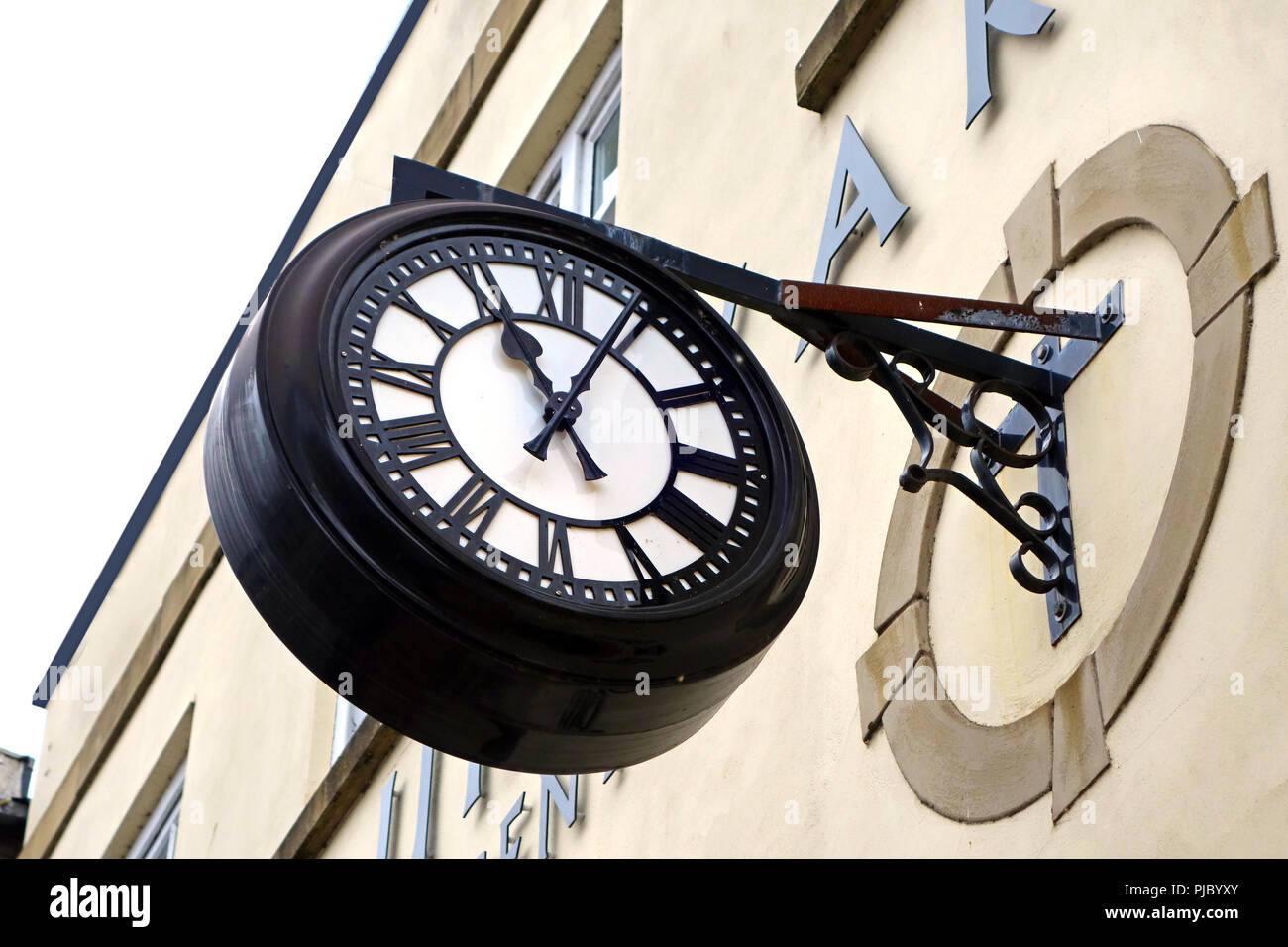 Large exterior bracket clock - Stock Image