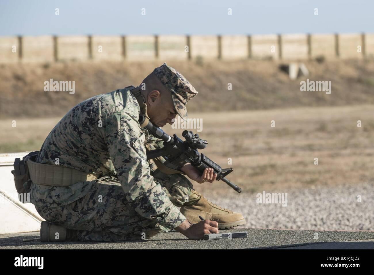 Beretta Pistol Stock S & Beretta Pistol Stock Alamy