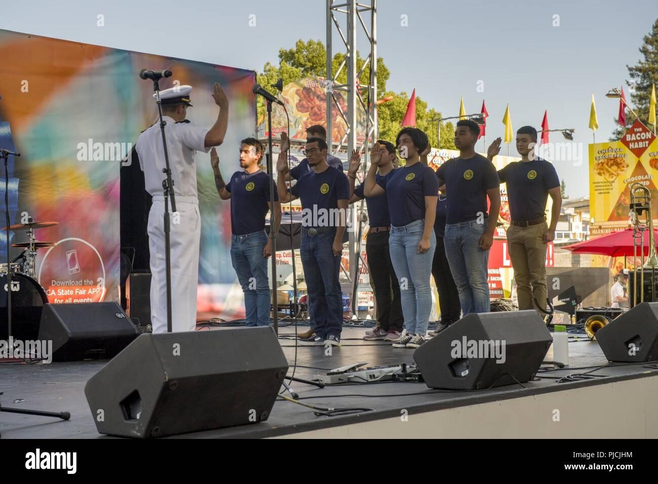 SACRAMENTO Calif , (July 19, 2018) Nine future Sailors