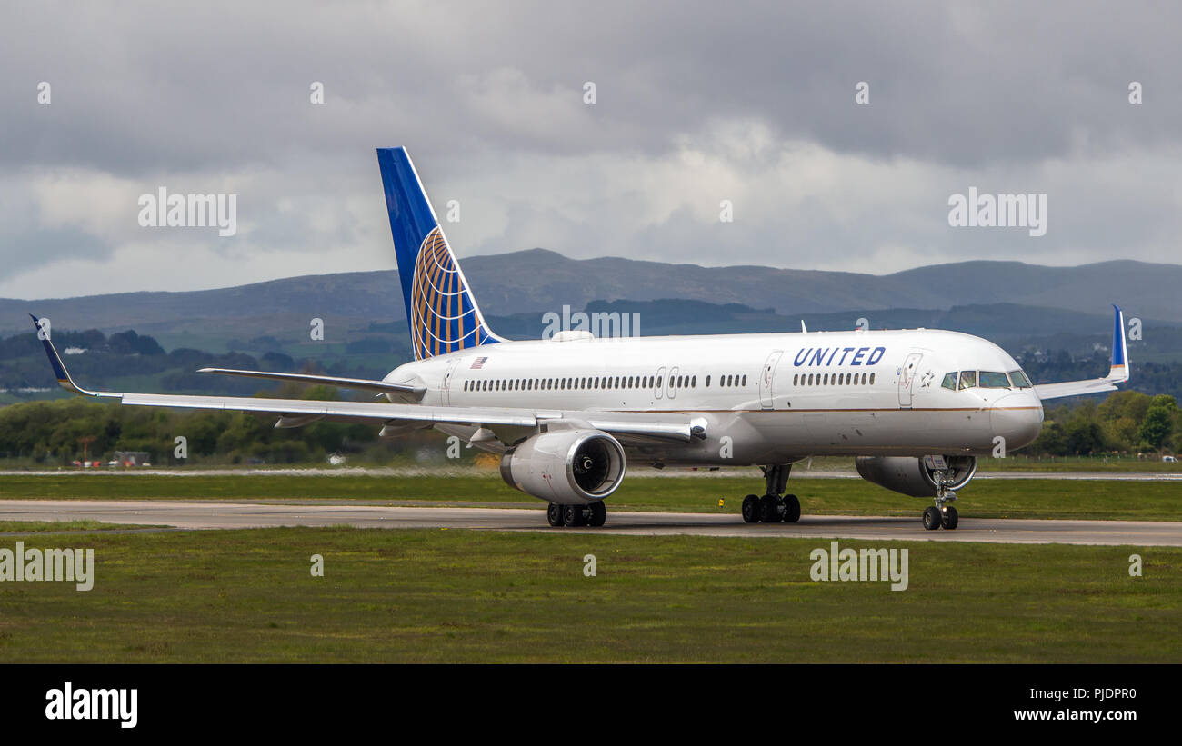 United Airlines seen at Glasgow before taking off for the USA, Glasgow International Airport, Renfrewshire, Scotland. - Stock Image