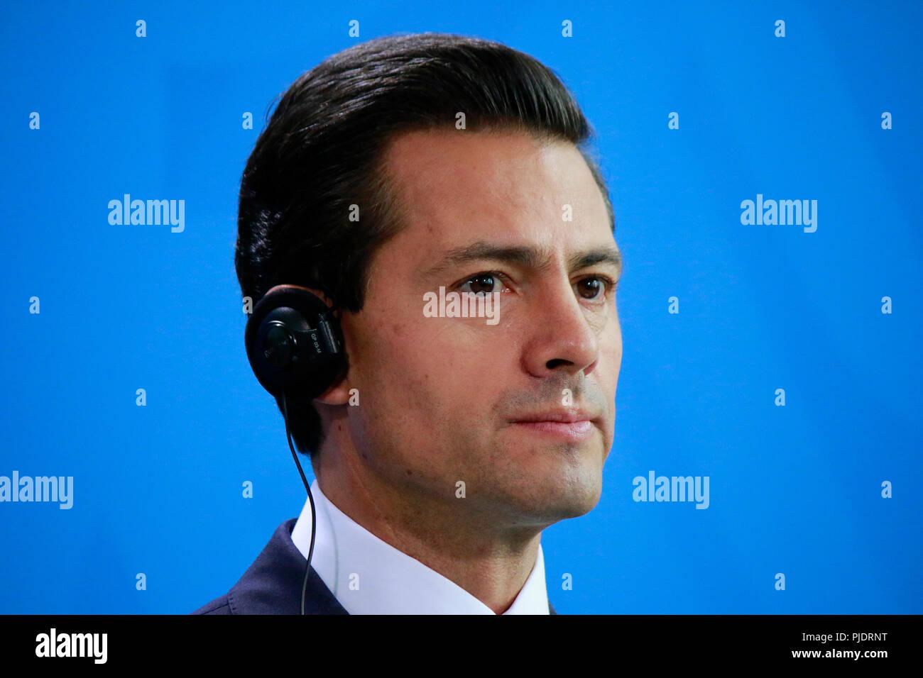 Enrique Pena Nieto - Treffen der dt. Bundeskanzlerin mit dem mexikanischen Praeisdenten, Bundeskanzleramt, 12. April 2016, Berlin. Stock Photo