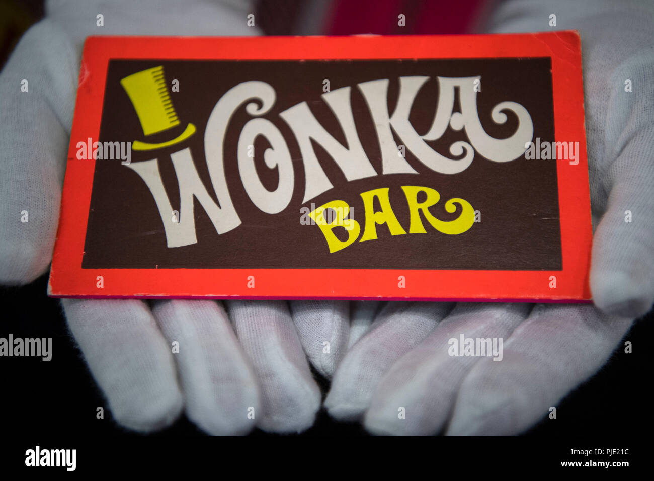 Willy Wonka Bar | www.topsimages.com