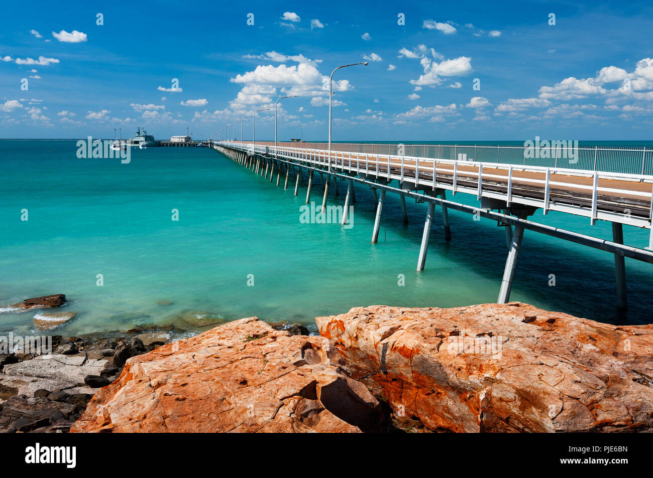 Famous Broome Jetty in Roebuck Bay. - Stock Image