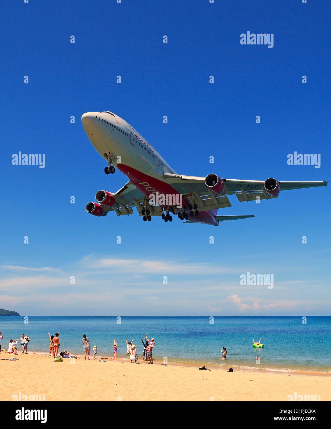 Boeing 747, airplane of the society of Rossia in the land flight, May Kao Beach, Phuket, Thailand, Boeing 747 , Flugzeug der Gesellschaft Rossia im La - Stock Image