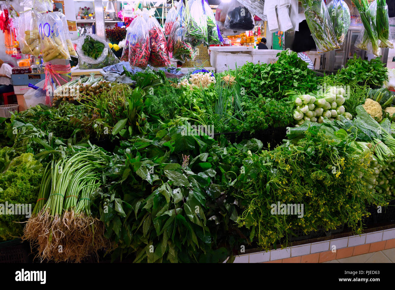 typical state with gigantic choice in fresh herbs and spices on the Banzaan fresh market, Patong Beach, Phuket, Thailand, typischer Stand mit riesiger - Stock Image