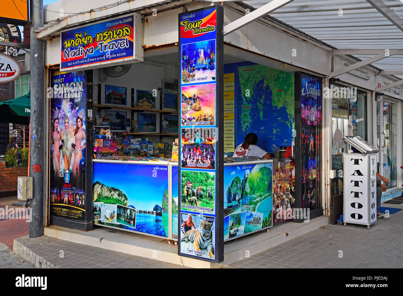 typical street state for the reservation of tours and excursions, Patong Beach, Phuket, Thailand, typischer Straßenstand für die Buchung von Touren un Stock Photo
