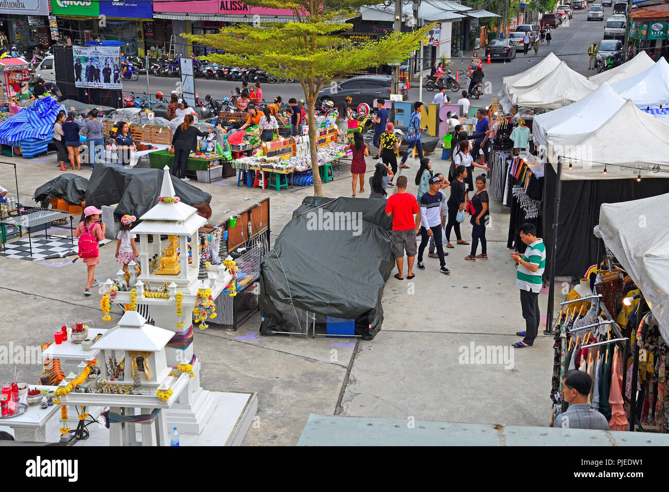 Look about the Chillva market, Phuket, Thailand, Blick über den Chillva Markt - Stock Image