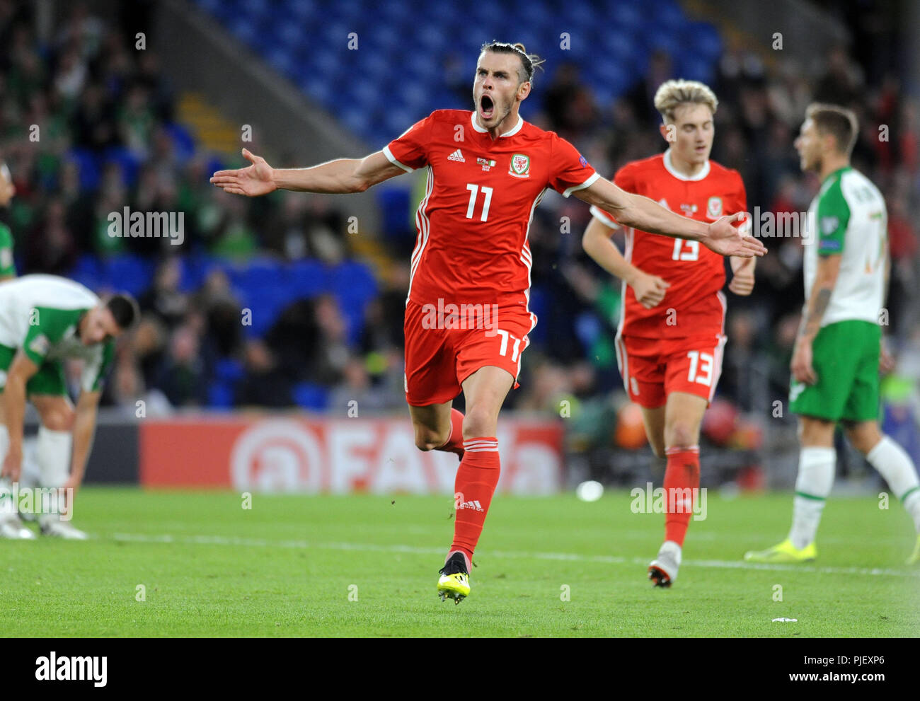 Cardiff, UK. 6th September 2018, UEFA Nations League 2019 Wales v Republic of Ireland Gareth Bale of Wales celebrates his sides second goal at the Cardiff City Stadium tonight against the Republic of Ireland. Credit: Phil Rees/Alamy Live News - Stock Image